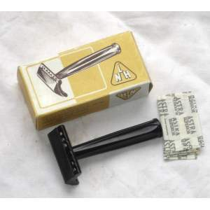 Ruční holící strojek LNH retro