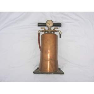 Měděná tlaková nádoba s ruční pumpou