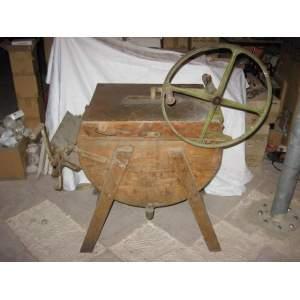 Starožitná dřevěná pračka