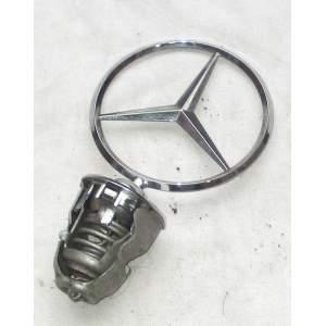 Mercedes Benz - znak na přední kapotu